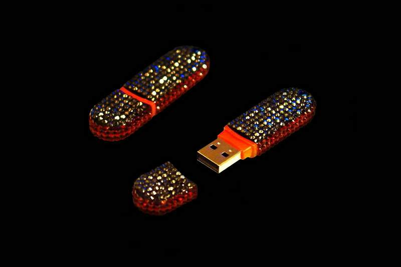 Classic Swarovski Flash Drive by MJ & 777